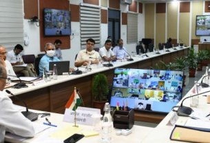 meeting on sewerage cleaning