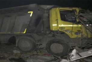 Uncontrollable dumper crushed workers sleeping on the road in Surat, 13 died on the spot, 7 injured